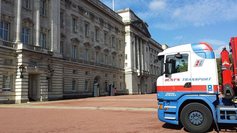 Buckingham Palace HIAB 1 2015